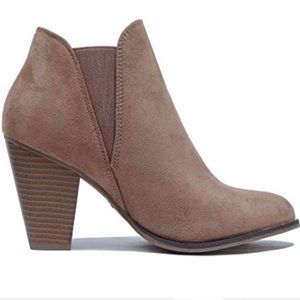 Shoes - Block Heel Ankle Booties